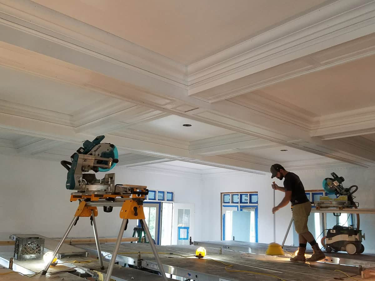 Crown Molding Services-Texarkana TX Professional Painting Contractors-We offer Residential & Commercial Painting, Interior Painting, Exterior Painting, Primer Painting, Industrial Painting, Professional Painters, Institutional Painters, and more.